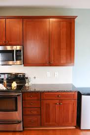 clean kitchen cabinets so they shine
