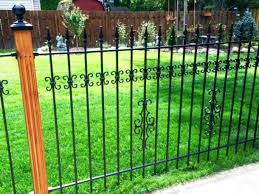 How Much Does Chain Link Fence Cost Per Foot Installed Chain Cost Fence Foot Installed Link In 2020 Fence Design Wrought Iron Fences Chain Link Fence Cost