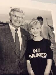 "josephine mitchell on Twitter: ""So sad. One of the most amazing days of my  television life. #valebobhawke #BobHawkeRIP #acountrypractice #teenageyears  #makingadifference #politics #Australia #timeofmylife…  https://t.co/b6oZr1ILAG"""
