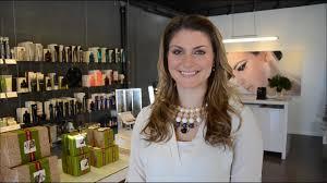 sara lindsay saskatchewan makeup