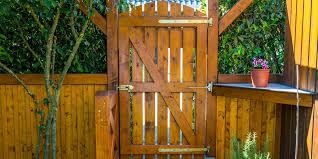 How To Stain A Fence Step By Step Instructions And Video This Old House