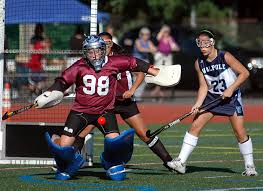 Field Hockey: Biedryzycki powers Medfield - News - MetroWest Daily News,  Framingham, MA - Framingham, MA
