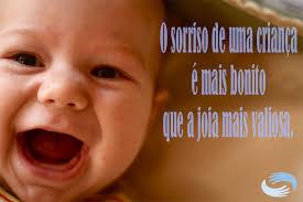 Resultado de imagem para frases sobre sorriso criança