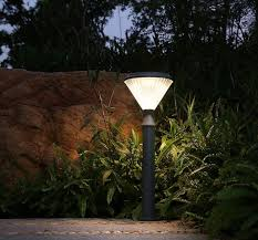 2019 new design outdoor road pole lamp