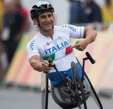 Alex Zanardi, l'Italia prega per il campione diventato simbolo di ...
