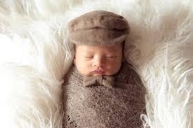 Tổng hợp những phụ kiện chụp ảnh cho bé sơ sinh bố mẹ nên biết