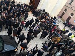 Al Bano, i funerali di mamma Jolanda: Loredana c'era, Romina no