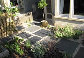 contemporary front garden designs