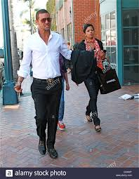 Justin Chambers shopping on Rodeo Drive with his family Beverly ...