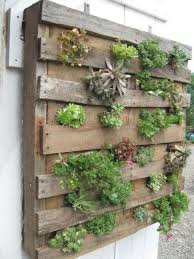 diy pallet wall garden planter