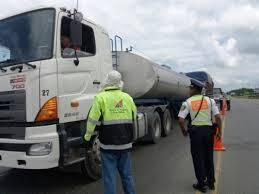 Continúan controles de pesos y dimensiones en Santo Domingo de los Tsáchilas – Ministerio de Transporte y Obras Públicas