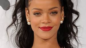 you can now do your makeup like rihanna