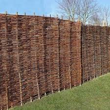 60 Best Ideas For Different Types Of Garden Fence Panels Enjoy Your Time Garden Fence Panels Willow Fence Panels Fence Panels