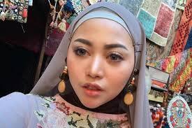 tutorial makeup bold ala rachel vennya