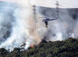 Brisbane: Firefighters battle King Fire atop San Bruno Mountain