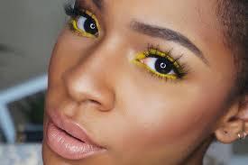 5 coloured eye shadows for dusky skin