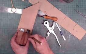 how to make a custom leather tool pouch