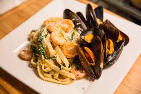 Shrimp and Mussels Fettuccine Pasta ...