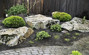 landscaping rocks using large rocks in