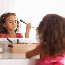 pretend makeup kit for younger children
