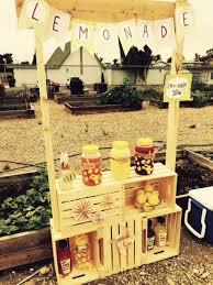 diy lemonade stand using box crates