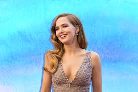 18 Things to Know About Jewish Actress Zoey Deutch - Alma