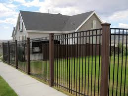 Fence Posts Archives Trex Fencing The Composite Alternative To Wood Vinyl