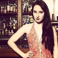 Review: Why Postmodern Jukebox Vocalist Robyn Adele Anderson Can't ...