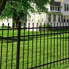 The Yardlink Osprey Fence Features A Pressed Point Picket Top Three Rail Design All Osprey Panels Come Pre Assembled And Include Inst Third Rail Design Fence