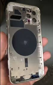 Alleged iPhone 12 Pro Chassis Shown Off in Video - aviralbox