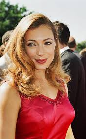 Alex Kingston with straight hair?! | Alex kingston, Celebs ...