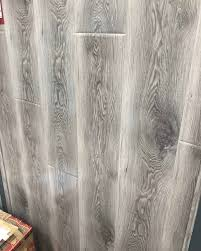 manhattan grey gloss right tiles
