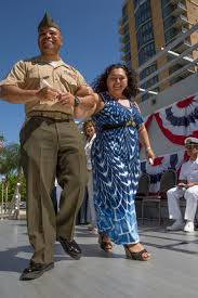 Couple reunited for educational recognition > 3rd Marine Aircraft ...