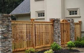 Wood Fence Beautiful Functional And Varied Along With Stone Fences Wood Fences Have Been Around The Longest Because Of The Ready Su Wood Fence Design Fence Gate Design Fence Design