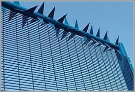 Anti Climb Wall Spikes And Rotary Anti Climb Spike Barrier Security Fence Home Security Modern Landscaping