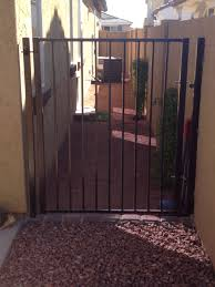 Custom Gate For Dog Run Outdoor Dog Gate Diy Dog Run Dog Run Side Yard