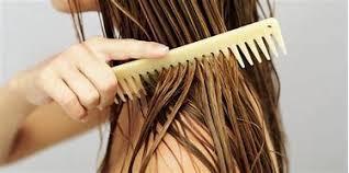 شانه زدن موهای خیس
