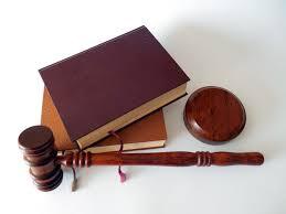 hình ảnh : sách, cây búa, nâu, qui định, Mắt, Tòa án, đàn organ, pháp luật, luật  sư, thẩm phán, Có sẵn, Mã, Jura, Toà án, Mệnh đề, bán đấu giá, Quy