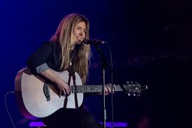 Beatie Wolfe Performs Photo by Diane Webb-4446 – the WiMN | The ...