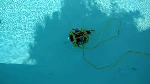 diy submersible rov flies through the water