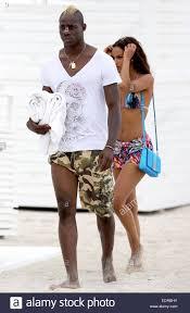 Mario Balotelli e la fidanzata Fanny Neguesha trascorrere la giornata sulla  spiaggia di Miami durante le loro vacanze in città dotate di: Mario  Balotelli,Fanny Neguesha dove: Miami Beach, Florida, Stati Uniti quando: