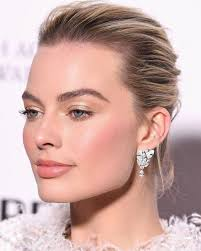beautiful natural glam makeup look