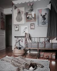 How To Create A Charming Vintage Kids Room Petit Small Vintage Kids Room Kids Room Inspiration Kid Room Decor