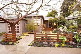 Front Yard Fence Ideas That You Need To Try 27 Modern Front Yard Front Yard Design Yard Remodel