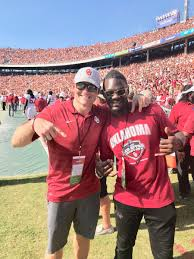 """Dusty Dvoracek on Twitter: """"Saturday was Awesome! Nothing else like it!  Loved seeing my old teammates and fellow alumni. Proud to be a #Sooner!  #OUvsTex #BeatTexas… https://t.co/FeF0e5T0oD"""""""