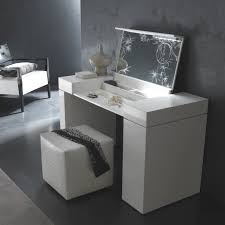 bedroom vanity table and chair ideas