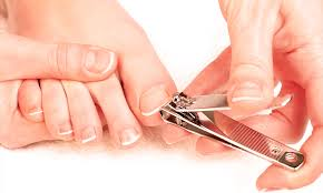 how to use nail clippers the right