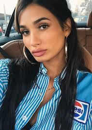 pia mia shares her makeup and hair