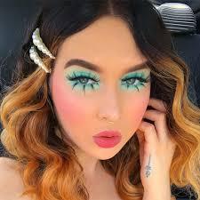 1960s eye makeup cat eye makeup