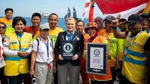 Dua Rekor Dunia Pecah, Ketua WASI Terima Sertifikat Dari London ...